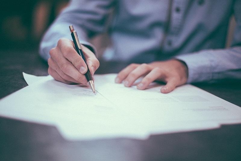 Jakie są różnice pomiędzy biurem rachunkowym a biurem podatkowym?